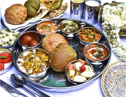 Food at Raipur Jn Station